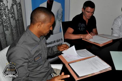 Patrice CARTERON signed his contract