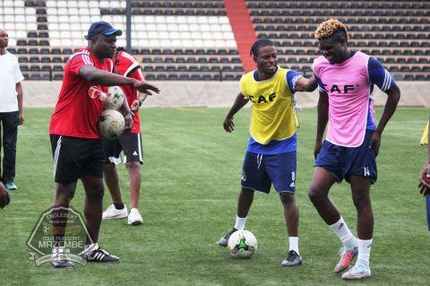 A Mbuji-Mayi, pour jouer et préparer le derby !