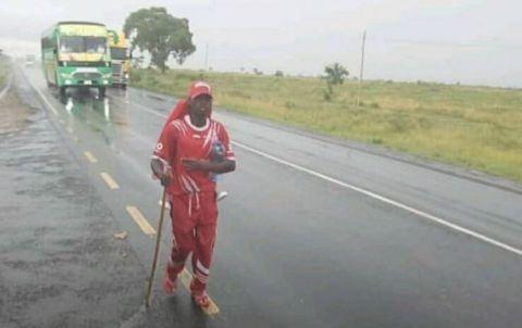841 km à pied pour soutenir le Simba SC !