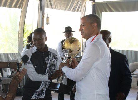 Moïse KATUMBI a reçu médaille et trophée de champion